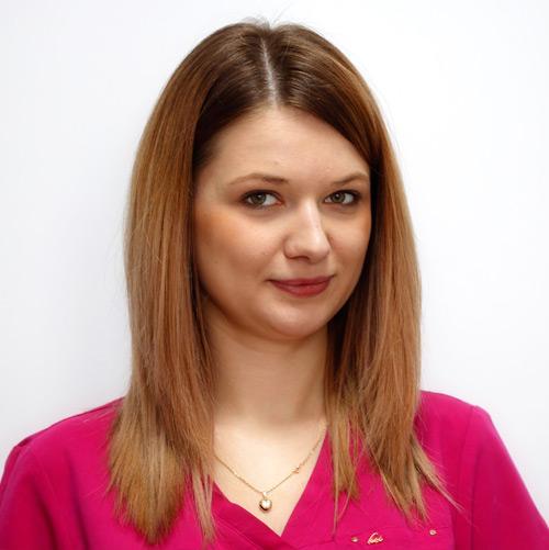 Mariola Brzozowska - higienistka stomatologiczna - dentysta zamość, stomatolog zamość, radiolog, implanty, protetyka, leczenie kanałowe, endodoncja, leczenie pod mikroskopem, chirurgia stomatologiczna, wybielanie zębów, stomatologia estetyczna, stomatologia dziecięca