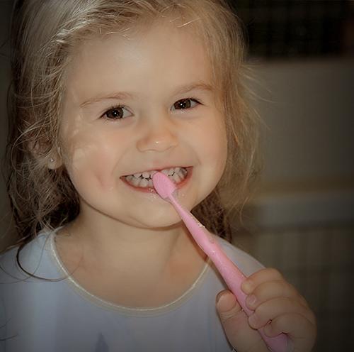 Elstom Elwira Sadlik-Zając - stomatologia nowoczesności - dentysta zamość, stomatolog zamość, radiolog, implanty, protetyka, leczenie kanałowe, endodoncja, leczenie pod mikroskopem, chirurgia stomatologiczna, wybielanie zębów, stomatologia estetyczna, stomatologia dziecięca